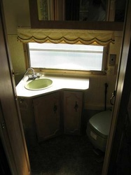 1972  Avion Voyageur Bathroom