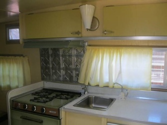 1969 Aristocrat Lo-Liner Kitchen 2