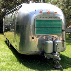 1966 Airstream Overlander Front 2