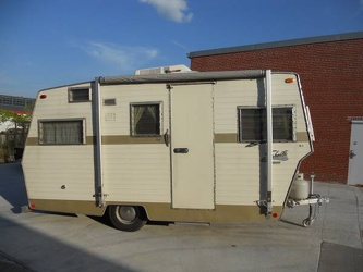 1969 Shasta Starflyte Entrance 2