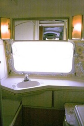1977 Airstream Overlander Bathroom 2